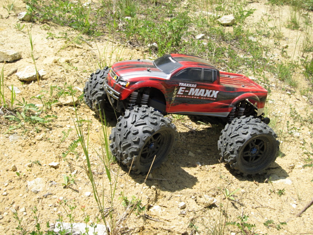 E-Maxx_brushless_lom_(2)