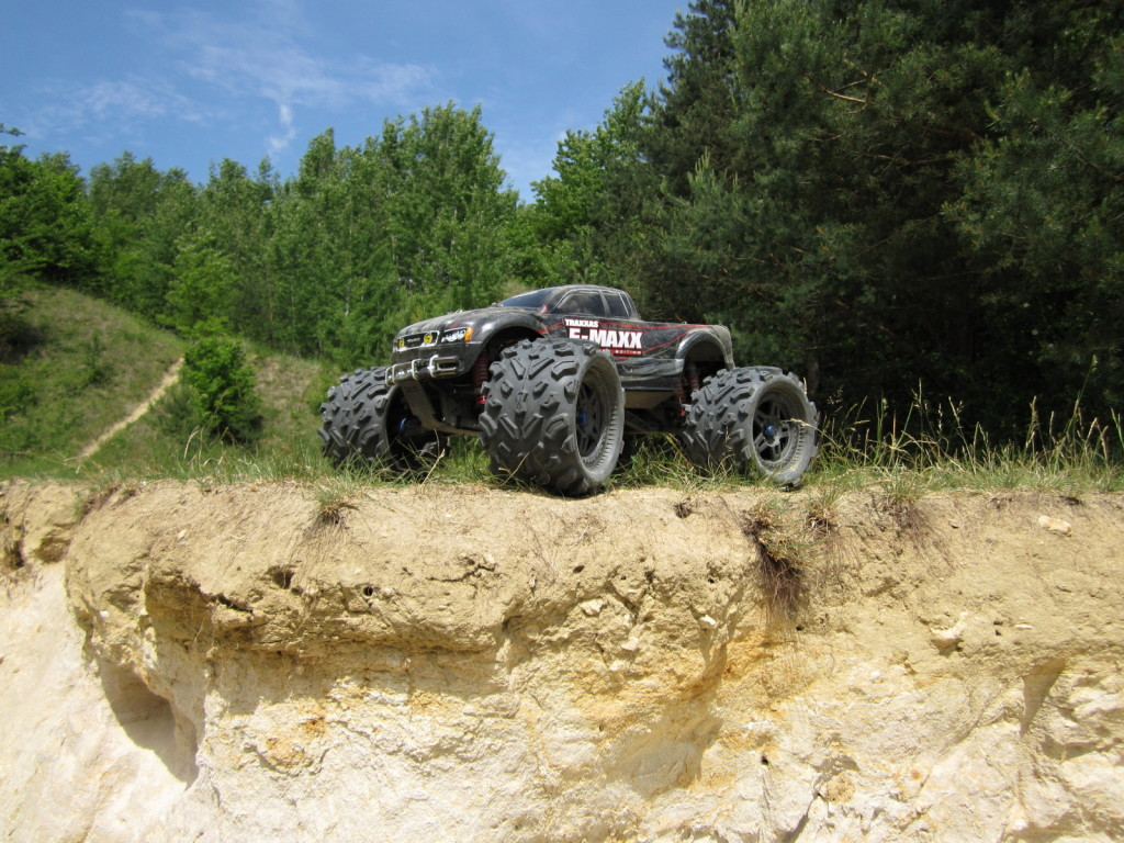 Traxxas E-Max brushless RTR Big Joe