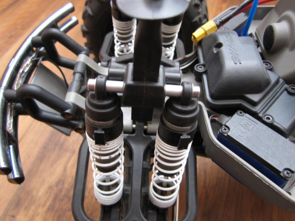 Traxxas E-Max 1,10 brushless RTR (66)