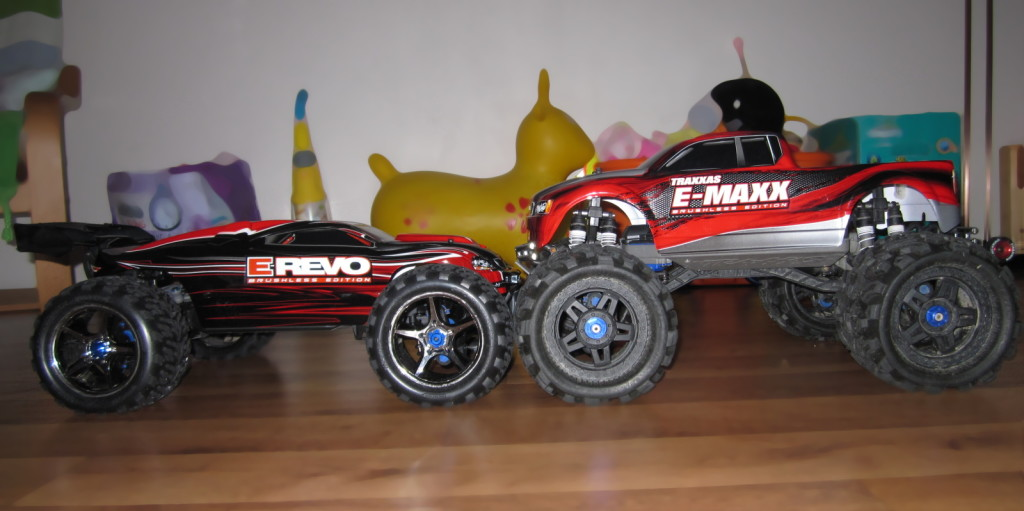Traxxas E-Revo brushless RTR vs E-Maxx brushless