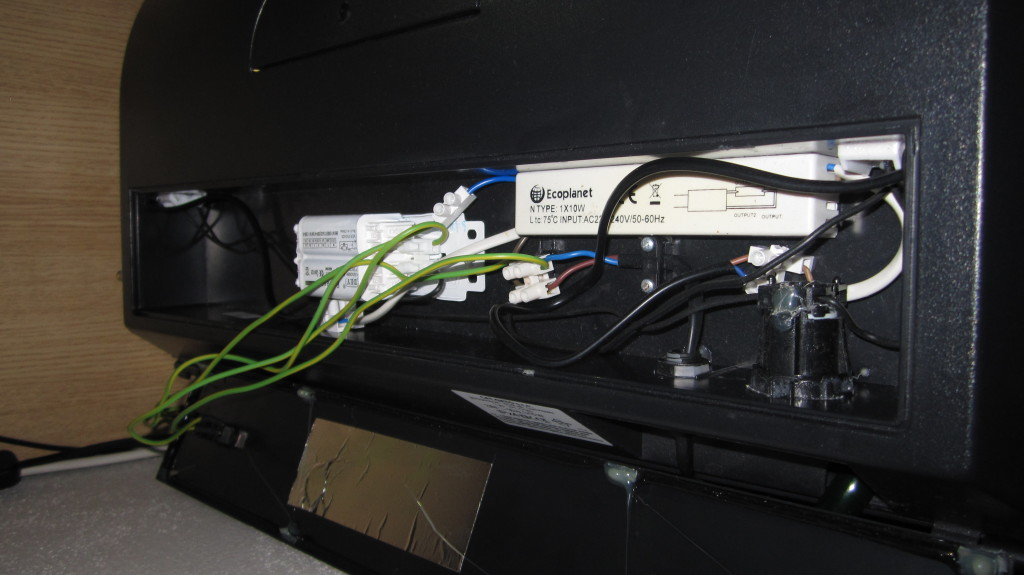 Uprava osvětlení krytu akvaria, zapojení elektroinstalace
